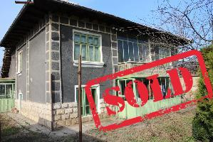 House with 5 beds in Dzhulyunitsa (Referent Number: KR240)
