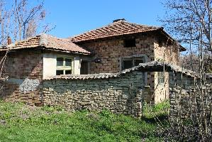 House with 4 beds in Dolna Lipnitsa (Referent Number: KR251)