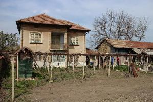 House with 5 beds in Dolna Lipnitsa (Referent Number: KR390)